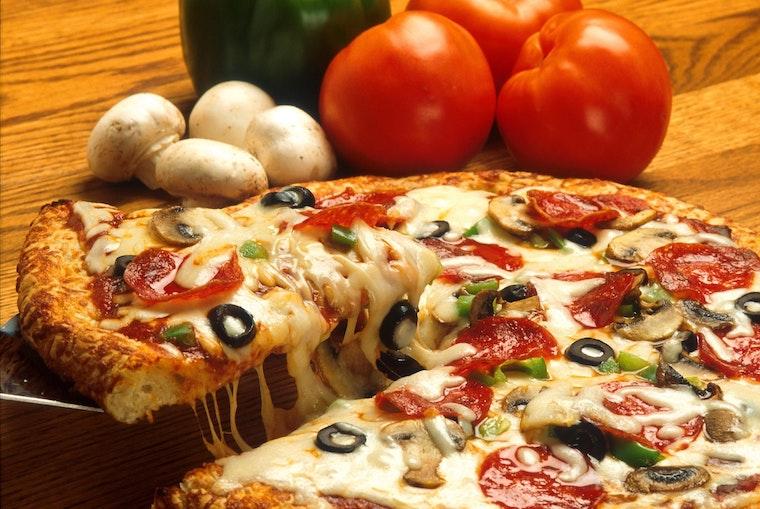 Shaq Helps Papa John's Get Black On Track By Investing In Nine Atlanta-Area Restaurants